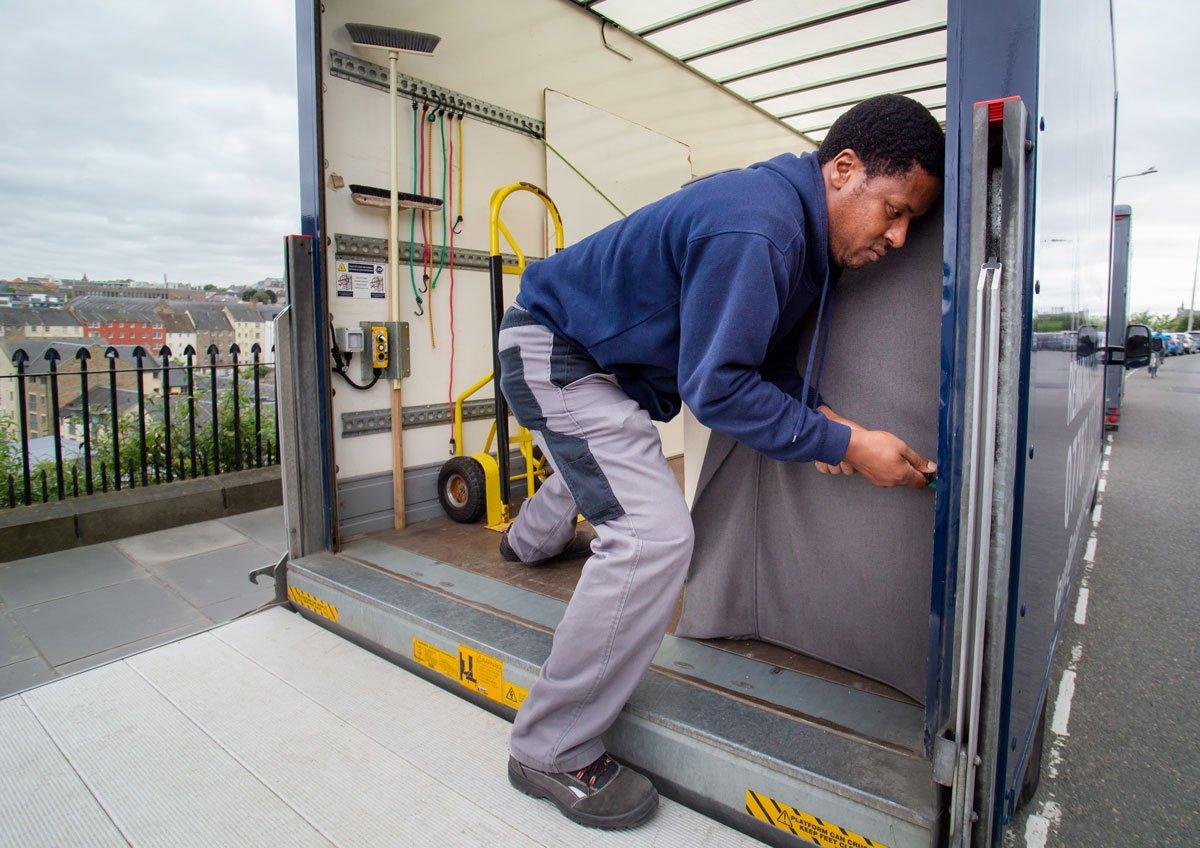 man with a van Edinburgh removal specialist items