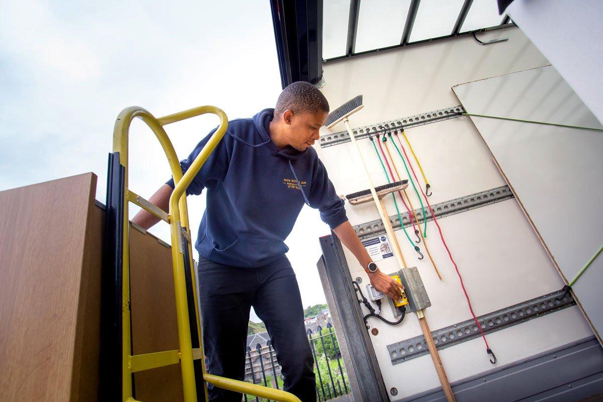 man with a van Edinburgh specialist item removal heavy